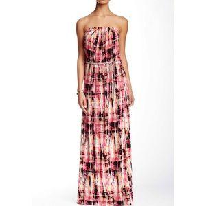 Dresses & Skirts - Printed strapless maxi dress